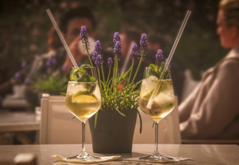 aperitivo-in-terrazza-raccolta-lercaro-bologna