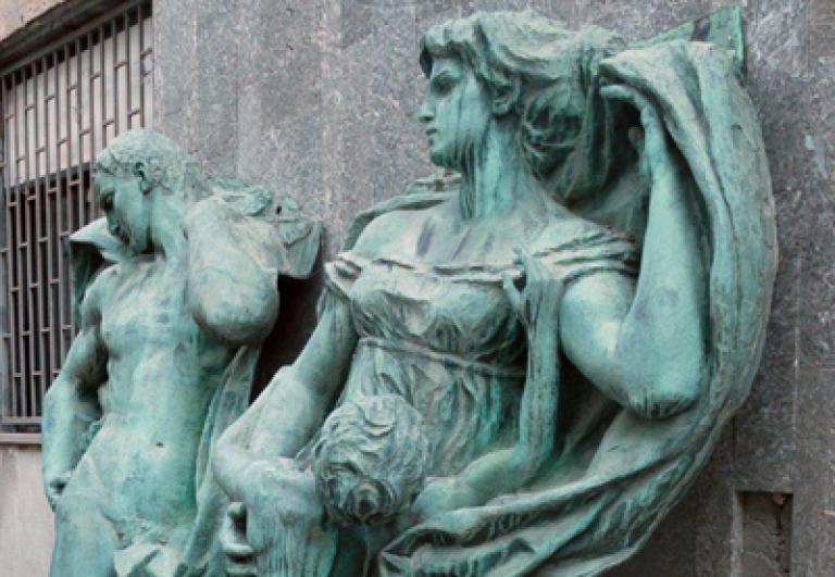 bronzi-monumento-palazzo-daccursio
