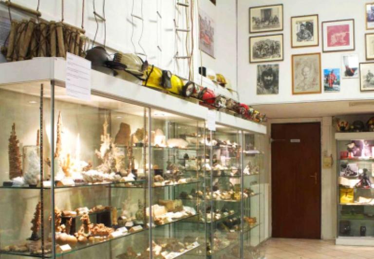 viaggio-museo-speleologico